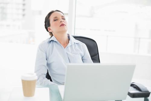 Sieste au travail : De plus en plus d'entreprises se laissent tenter